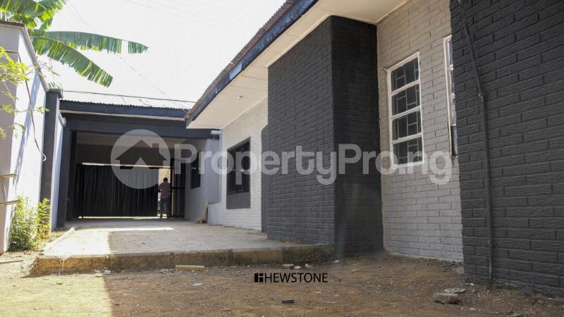 4 bedroom Semi Detached Bungalow House for sale Barnawa area Kaduna South Kaduna - 3