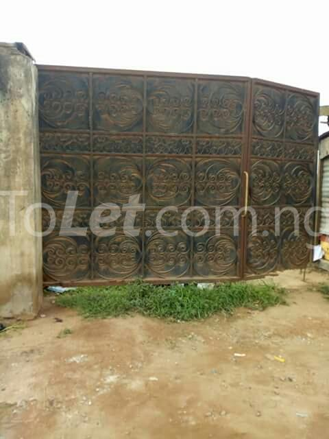 4 bedroom Commercial Property for sale isheri idimu council Egbe/Idimu Lagos - 5