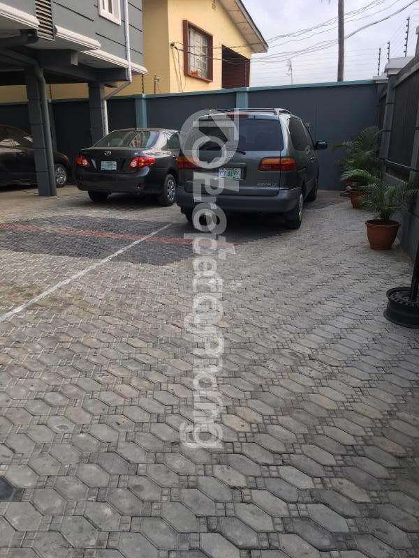 3 bedroom Flat / Apartment for sale Ajose Street Mende Maryland Lagos - 2