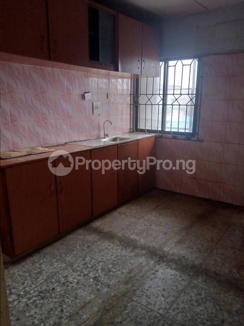 3 bedroom Flat / Apartment for rent Atunrase Medina Gbagada Lagos - 2
