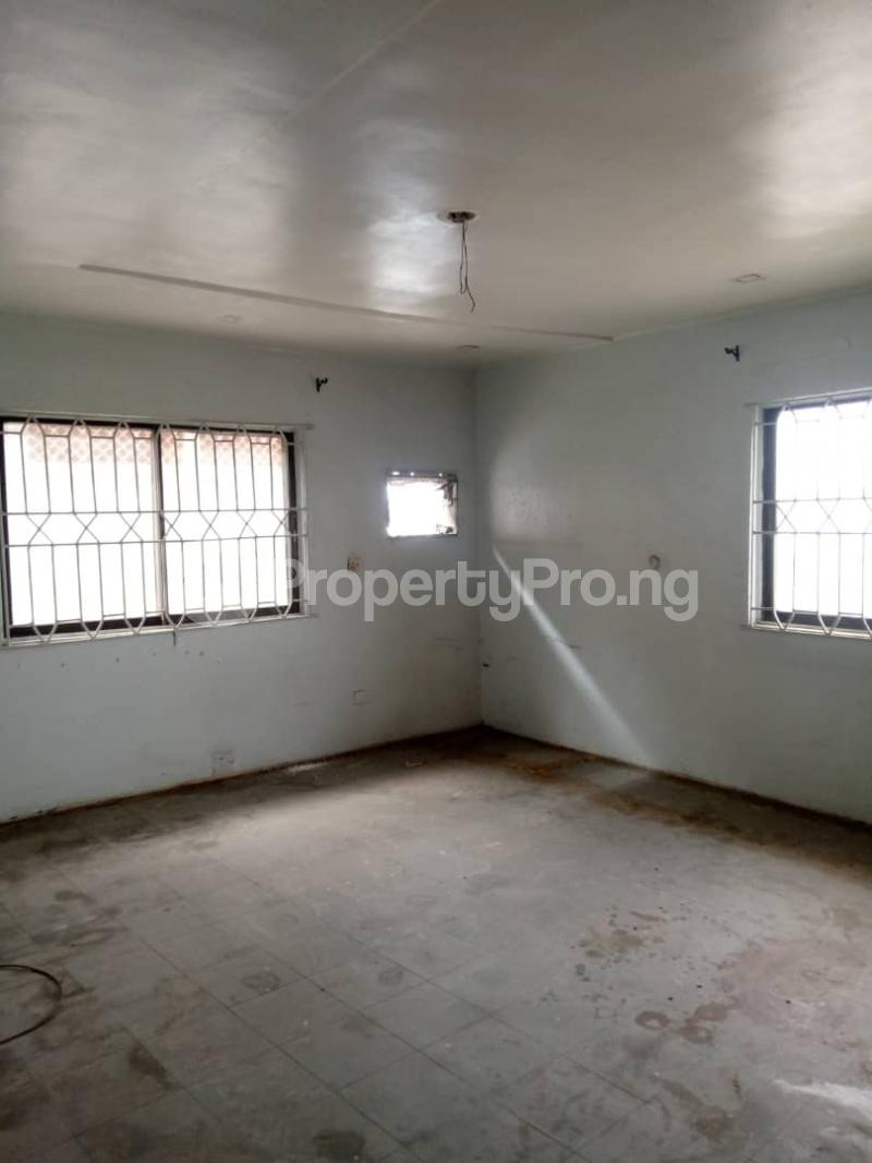 3 bedroom Flat / Apartment for rent Atunrase Medina Gbagada Lagos - 6