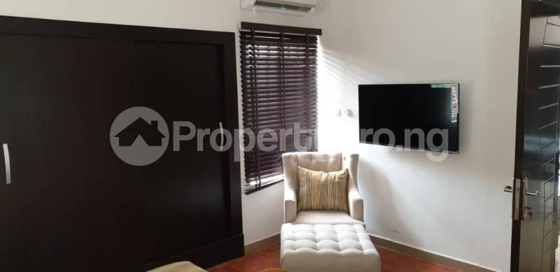 10 bedroom Flat / Apartment for sale Shonibare Estate Maryland Lagos - 10