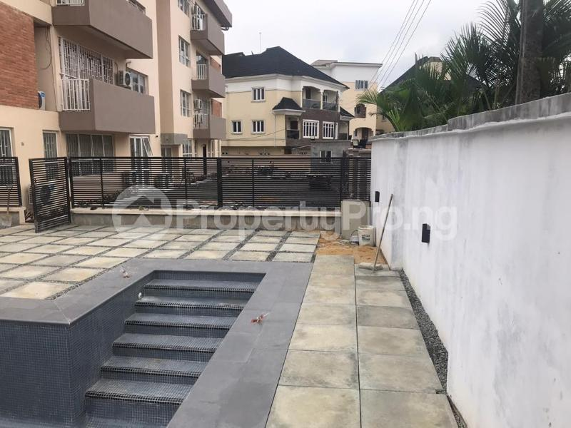 10 bedroom Flat / Apartment for sale Shonibare Estate Maryland Lagos - 3