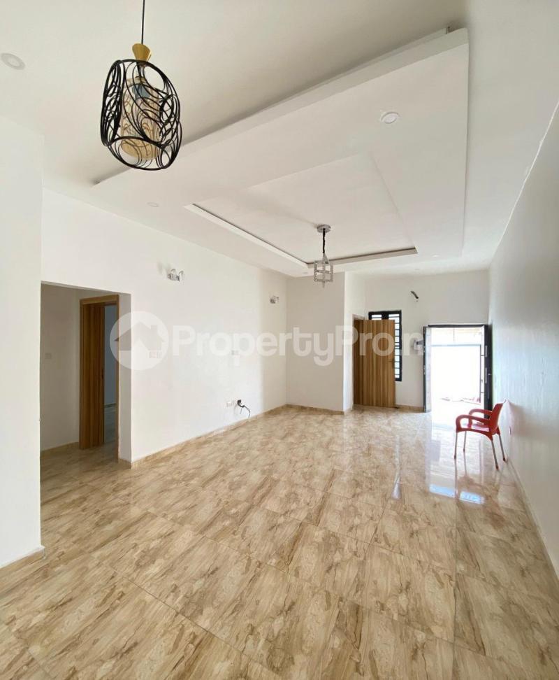 2 bedroom Mini flat Flat / Apartment for sale Jakande Lekki Lagos - 1