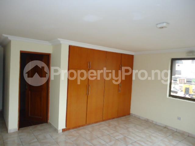 3 bedroom Flat / Apartment for rent Off Ajose Adeogun Behind Zenith Bank Head office Ademola Adetokunbo Victoria Island Lagos - 3