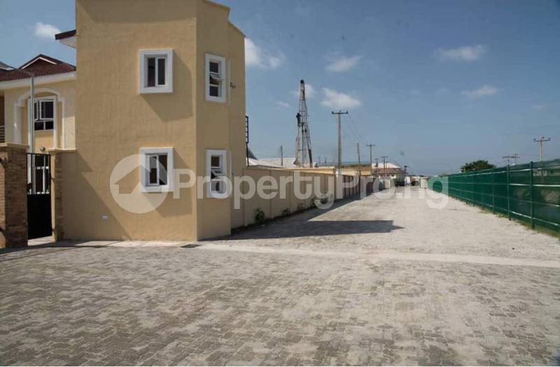 4 bedroom Semi Detached Duplex House for sale Alperton Estate, Osapa london Lekki Lagos - 7