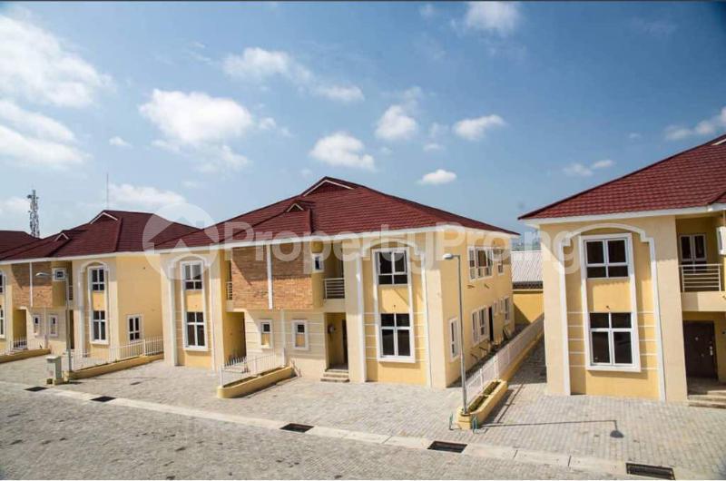 4 bedroom Semi Detached Duplex House for sale Alperton Estate, Osapa london Lekki Lagos - 10