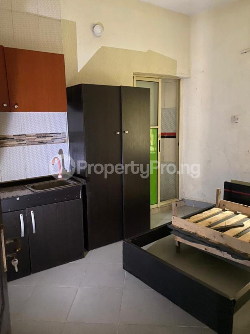 1 bedroom Self Contain for rent Onike Yaba Onike Yaba Lagos - 0