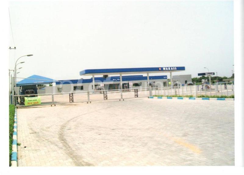 Commercial Property for rent Igando, Before Eleko Junction  Ibeju-Lekki Lagos - 0
