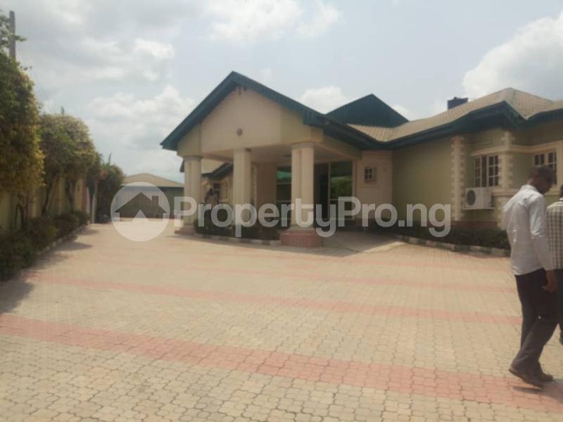 10 bedroom Hotel/Guest House Commercial Property for sale Behind Leed city university soka Ibadan  Ibadan Oyo - 3
