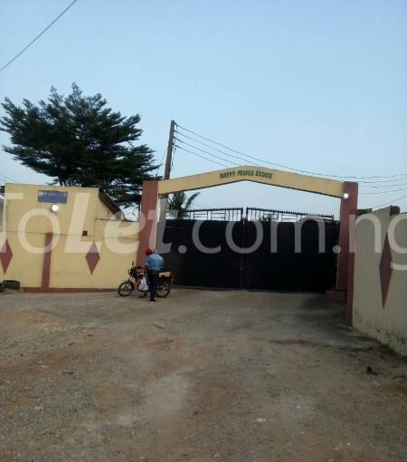 3 bedroom Detached Bungalow for sale Happy People Estate Off Lagos Ibadan Expressway; Magboro Obafemi Owode Ogun - 1
