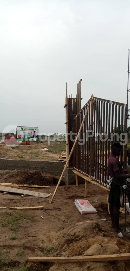 Residential Land Land for sale IGANDO AREA, BEFORE ELEKO JUNCTION  Eleko Ibeju-Lekki Lagos - 4