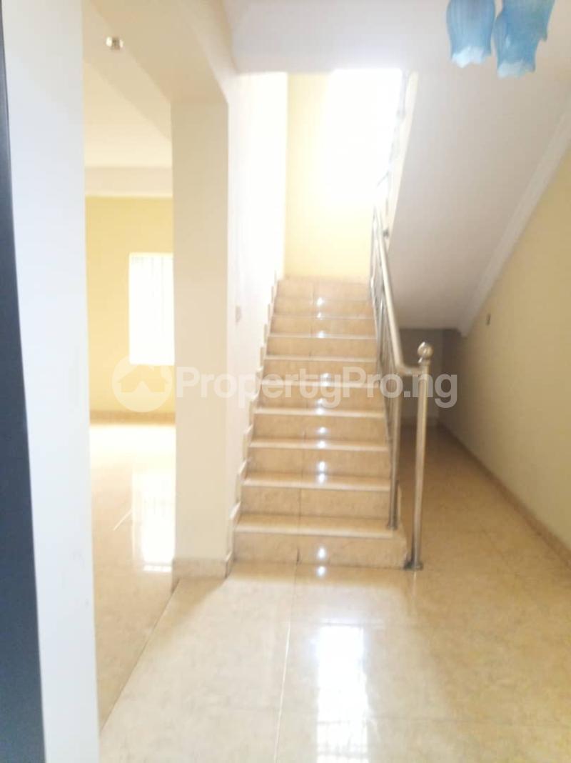 5 bedroom Detached Duplex House for rent ... Magodo GRA Phase 2 Kosofe/Ikosi Lagos - 17