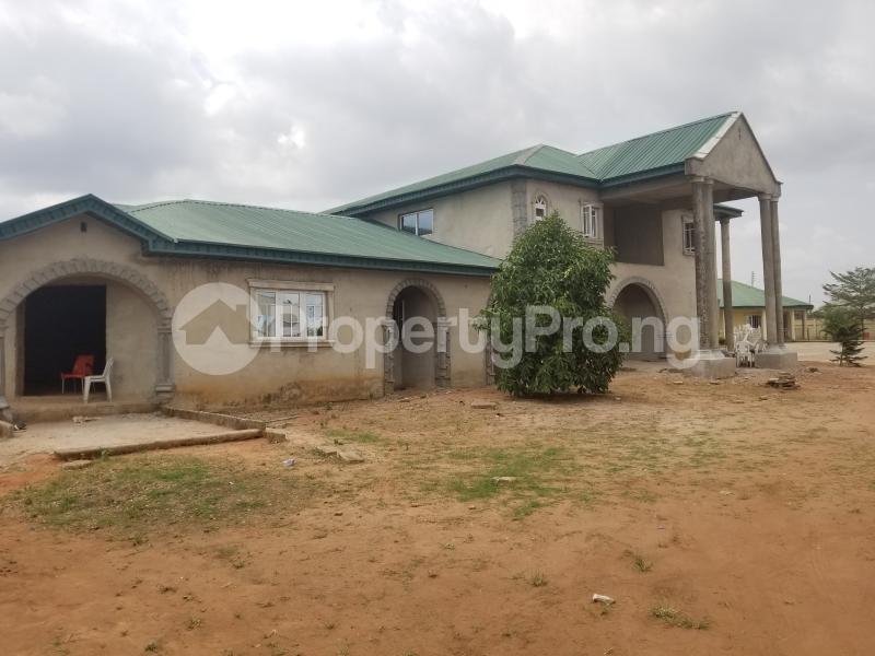 10 bedroom Hotel/Guest House Commercial Property for sale Ijaba, iyana iyesi road, Sango otta, Ogun staye Sango Ota Ado Odo/Ota Ogun - 3