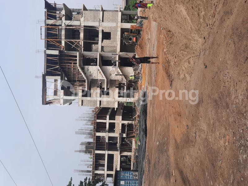 3 bedroom Shared Apartment for sale . Ilupeju industrial estate Ilupeju Lagos - 1