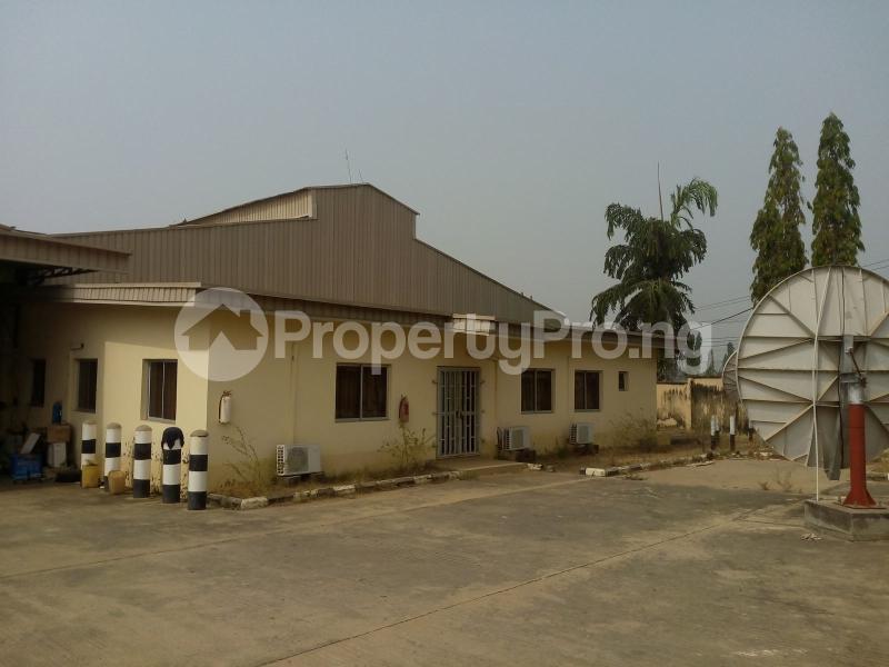 Warehouse for rent Along Okene Kabba Road, Zone 8, Lokoja Kogi - 0