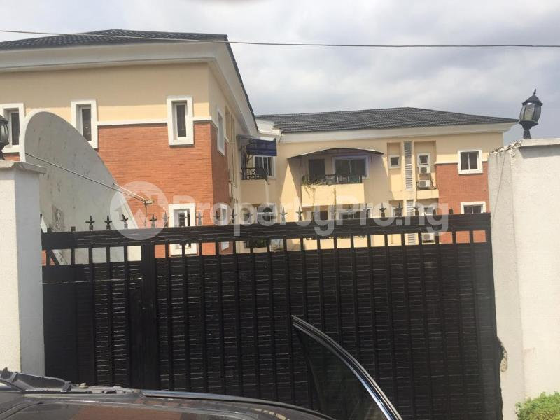 3 bedroom Blocks of Flats House for sale Obanikoro Obanikoro Shomolu Lagos - 1