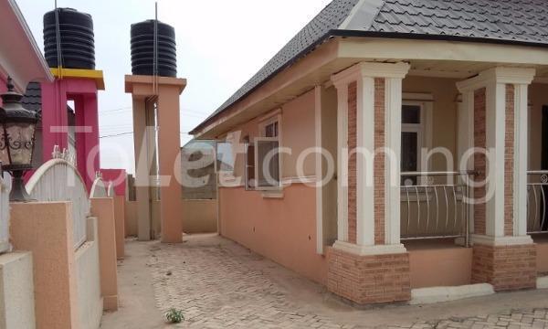 3 bedroom Detached Bungalow for sale Simawa/ Mowe Obafemi Owode Ogun - 4