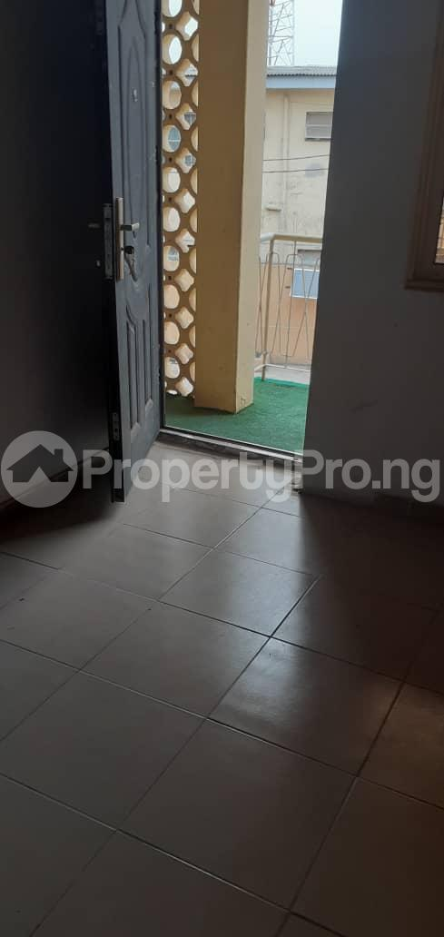 3 bedroom Shared Apartment Flat / Apartment for rent Onigbongbo Maryland Mende Maryland Lagos - 7