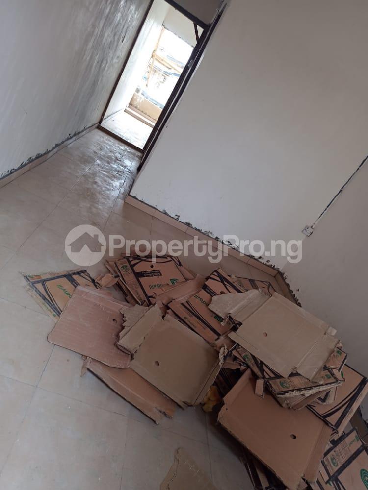 1 bedroom Flat / Apartment for rent   Obanikoro Shomolu Lagos - 1