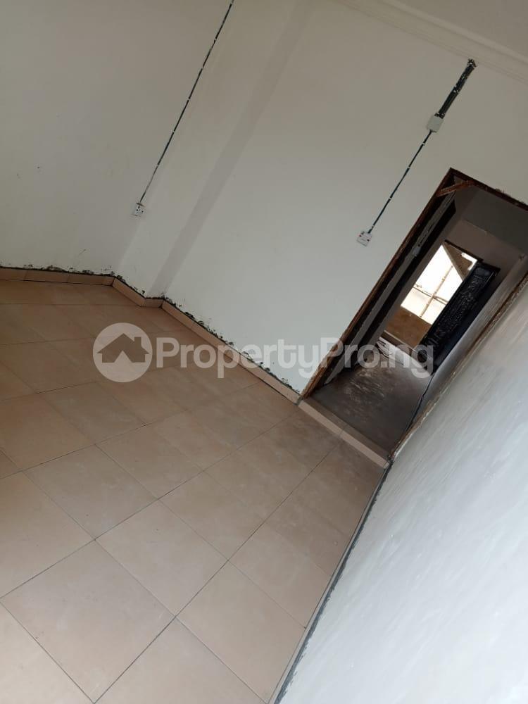 1 bedroom Flat / Apartment for rent   Obanikoro Shomolu Lagos - 0