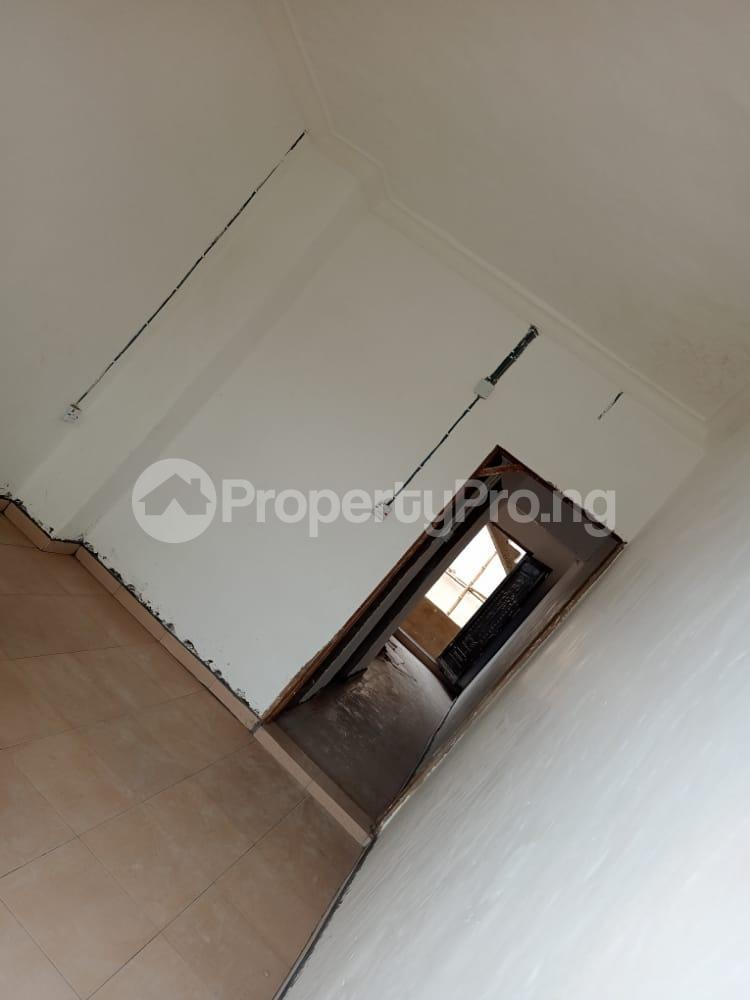 1 bedroom Flat / Apartment for rent   Obanikoro Shomolu Lagos - 2