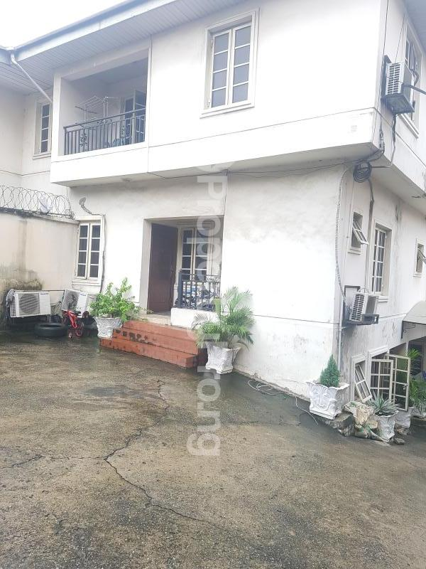 3 bedroom Flat / Apartment for rent -- Anthony Village Maryland Lagos - 0