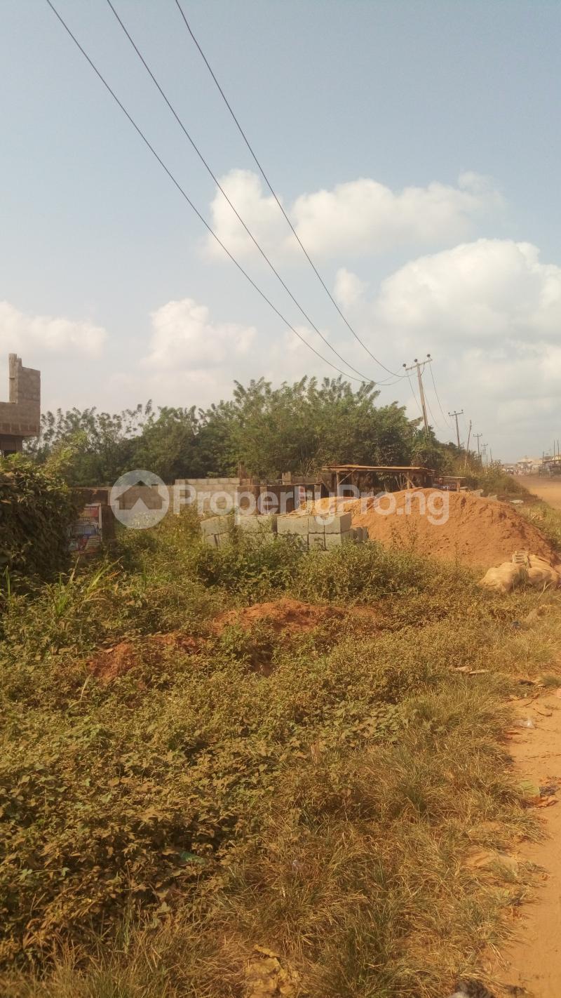 Commercial Land for sale Quarters Junction Olounda Road Olounda Ibadan Olorunda Lagelu Oyo - 1