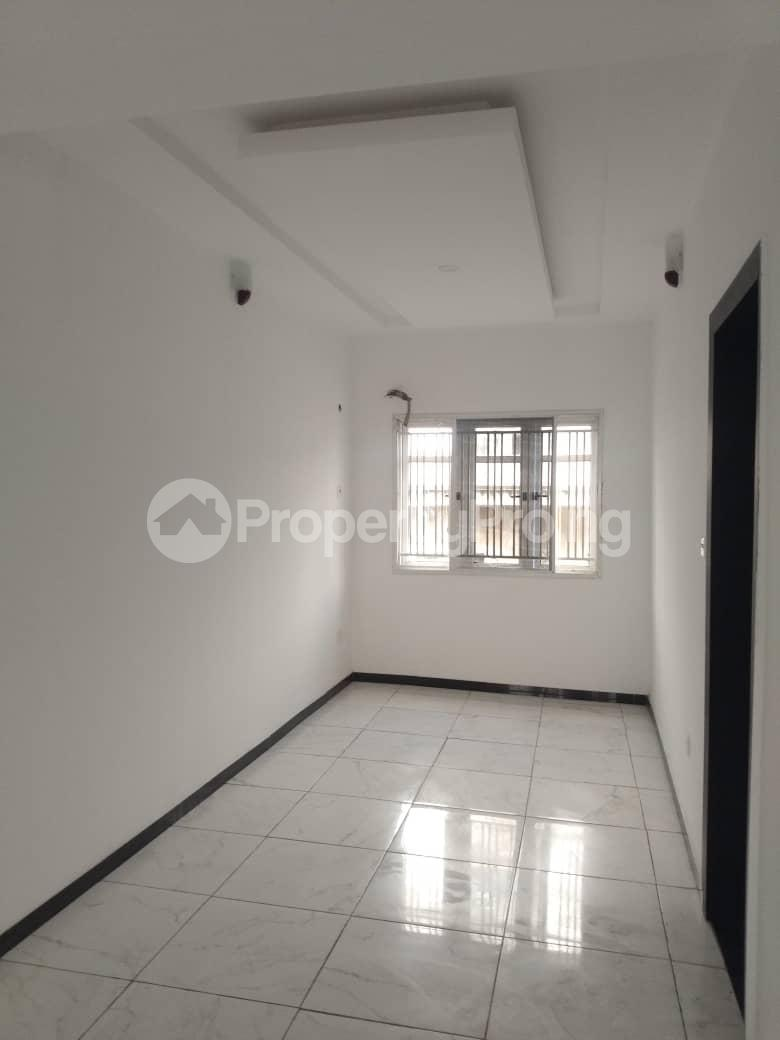 5 bedroom Flat / Apartment for rent Alagomeji Yaba Lagos - 2