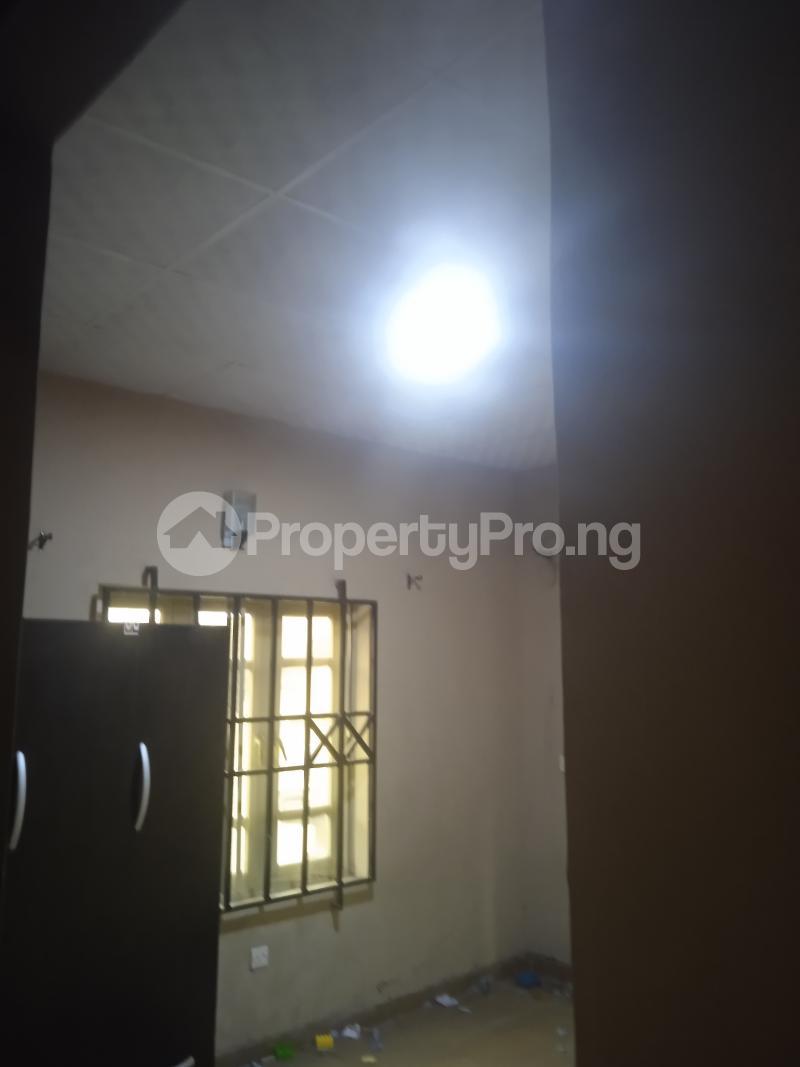 2 bedroom Flat / Apartment for rent Baiye Ogunlana Surulere Lagos - 3