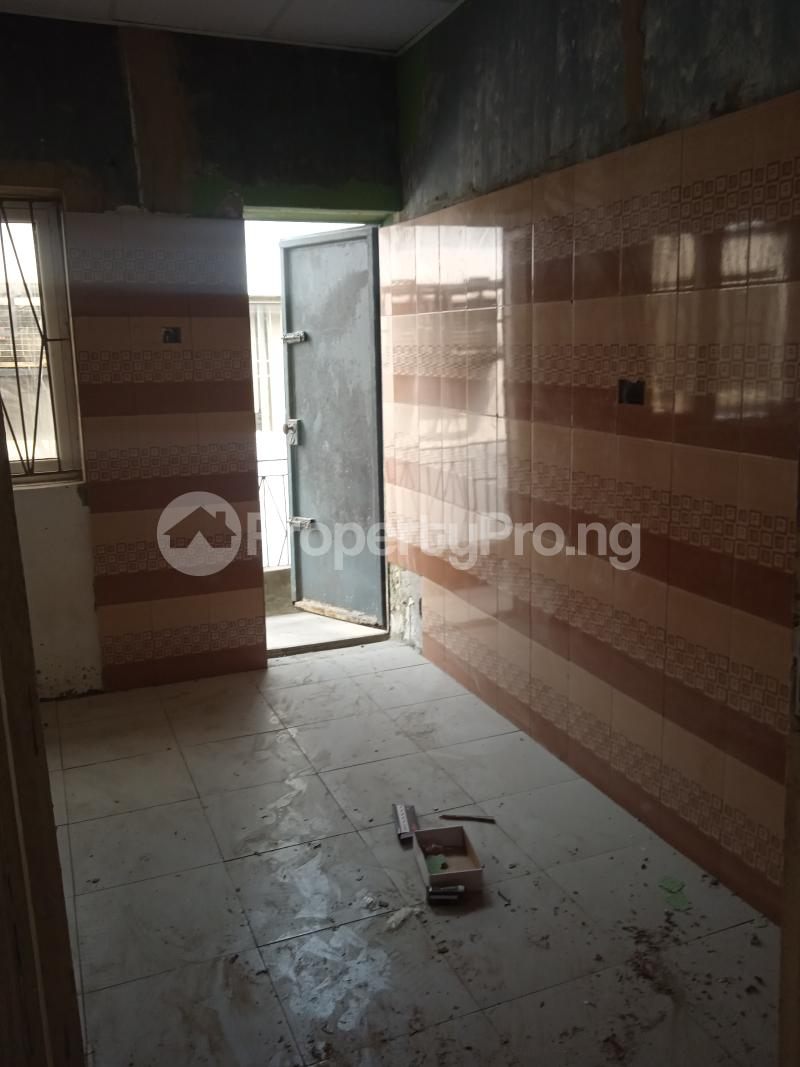 2 bedroom Flat / Apartment for rent Rafiu williams Adelabu Surulere Lagos - 3