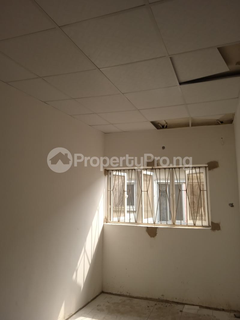 2 bedroom Flat / Apartment for rent Rafiu williams Adelabu Surulere Lagos - 4
