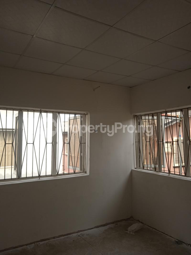 2 bedroom Flat / Apartment for rent Rafiu williams Adelabu Surulere Lagos - 1