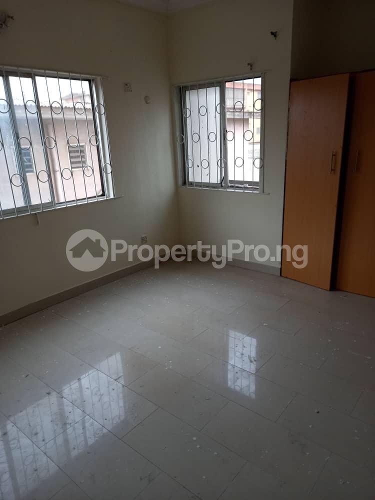 2 bedroom Flat / Apartment for rent Adekunle kuye Adelabu Surulere Lagos - 2