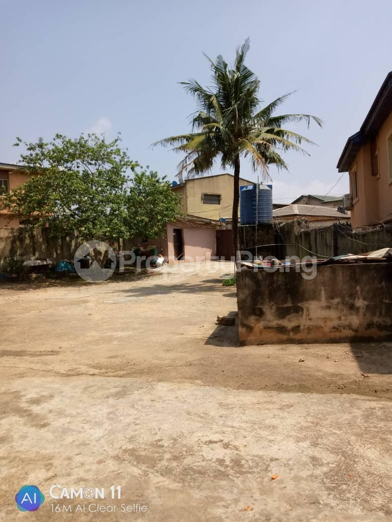 2 bedroom Blocks of Flats House for rent Ojodu off grammar school powerline area. Berger Ojodu Lagos - 0