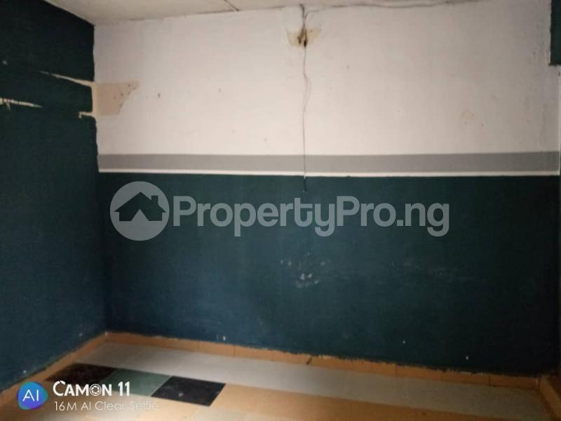 2 bedroom Blocks of Flats House for rent Ojodu off grammar school powerline area. Berger Ojodu Lagos - 1