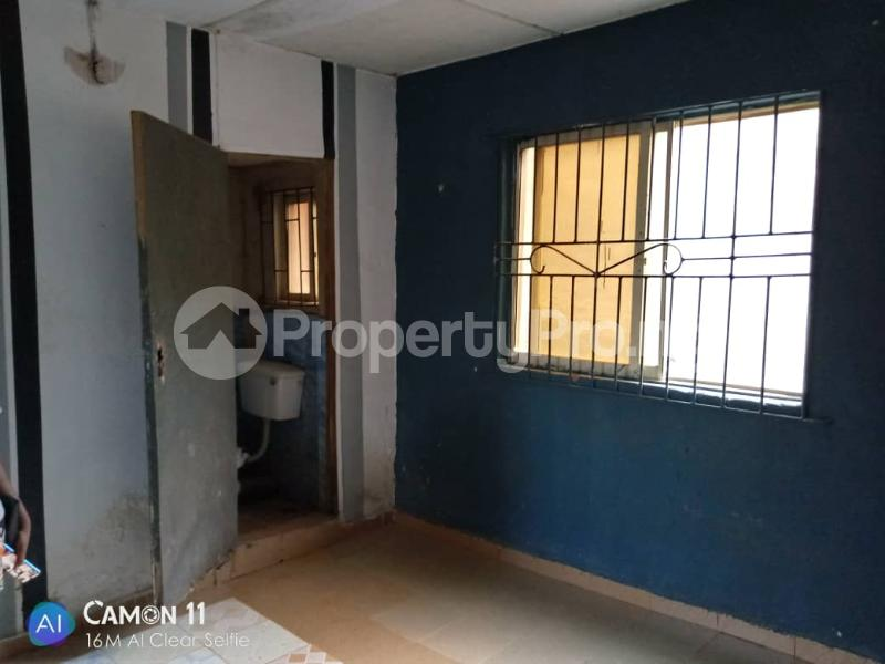 2 bedroom Blocks of Flats House for rent Ojodu off grammar school powerline area. Berger Ojodu Lagos - 5