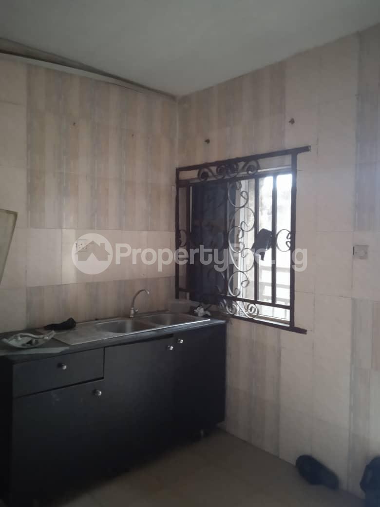 Flat / Apartment for rent Agbonyin Adelabu Surulere Lagos - 4