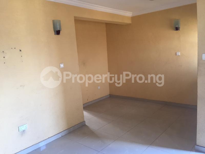 3 bedroom Flat / Apartment for rent Ogungbamila  Akoka Yaba Lagos - 1