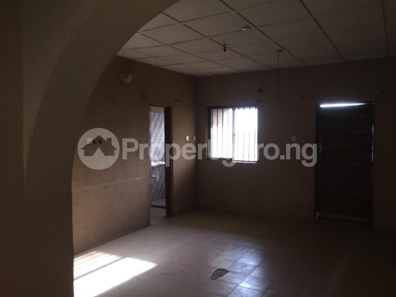 3 bedroom Flat / Apartment for rent Community Road  Akoka Yaba Lagos - 2