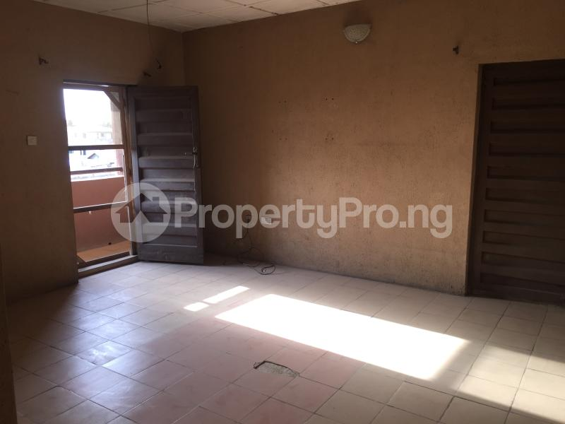 3 bedroom Flat / Apartment for rent Community Road  Akoka Yaba Lagos - 8