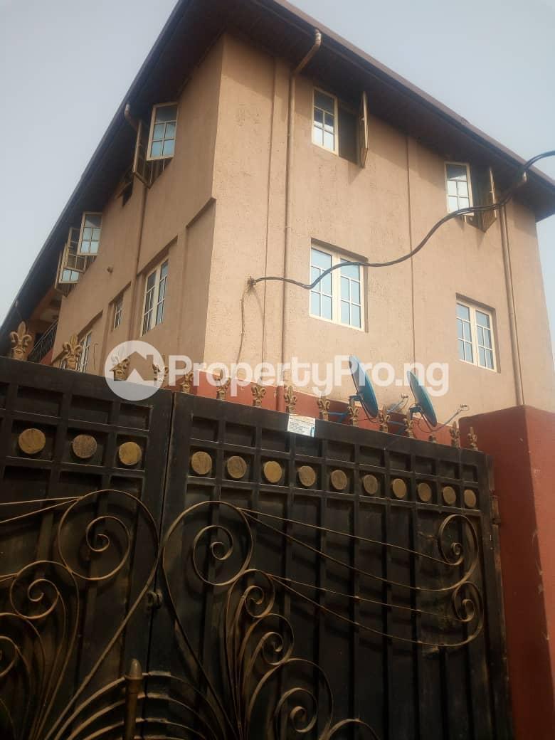 3 bedroom Flat / Apartment for rent Ogungbamila  Akoka Yaba Lagos - 11