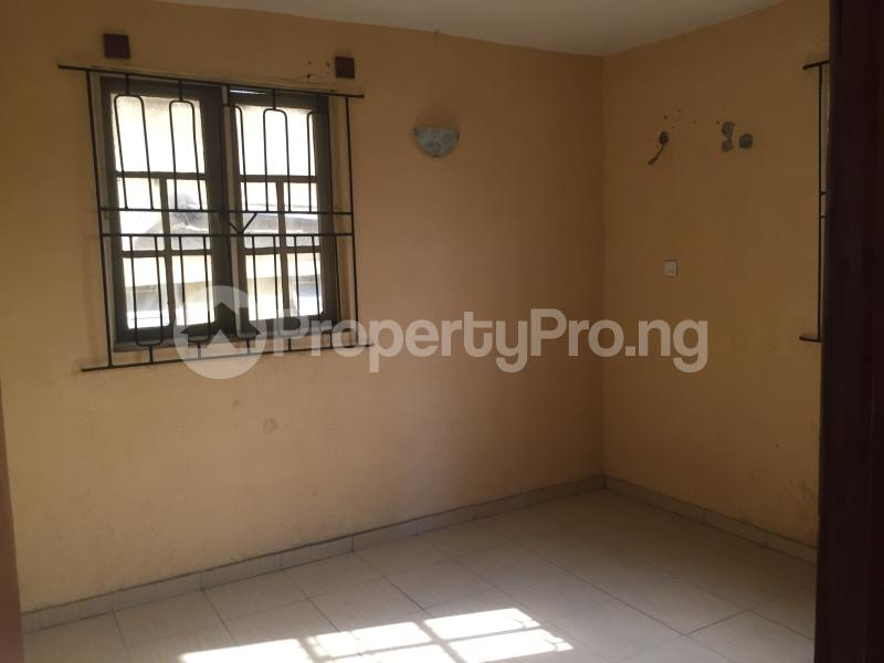 3 bedroom Flat / Apartment for rent Ogungbamila  Akoka Yaba Lagos - 4