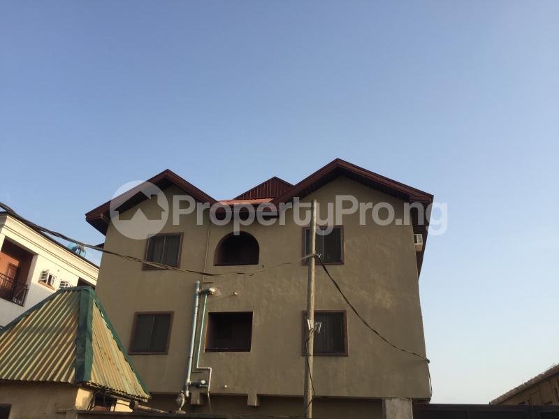 3 bedroom Flat / Apartment for rent Community Road  Akoka Yaba Lagos - 1