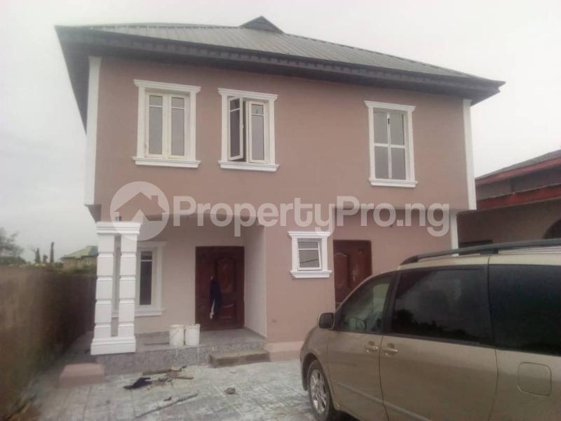 3 bedroom Flat / Apartment for rent Magboro back of mfm Magboro Obafemi Owode Ogun - 0