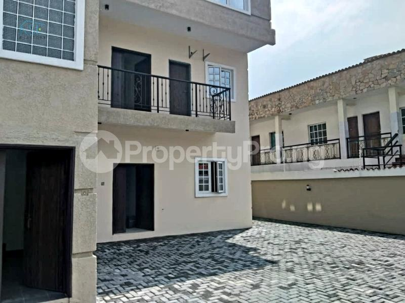 3 bedroom Flat / Apartment for rent Off admiralty way Lekki Phase 1 Lekki Lagos - 11