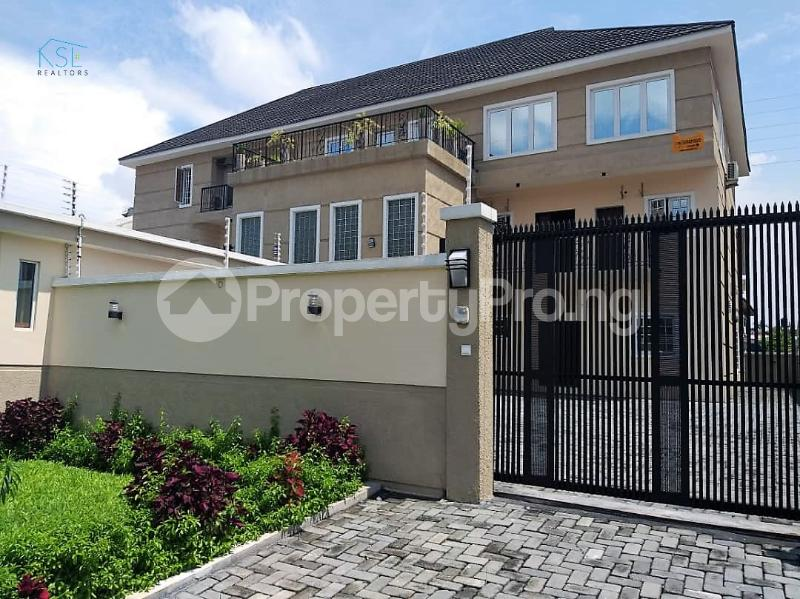 3 bedroom Flat / Apartment for rent Off admiralty way Lekki Phase 1 Lekki Lagos - 17