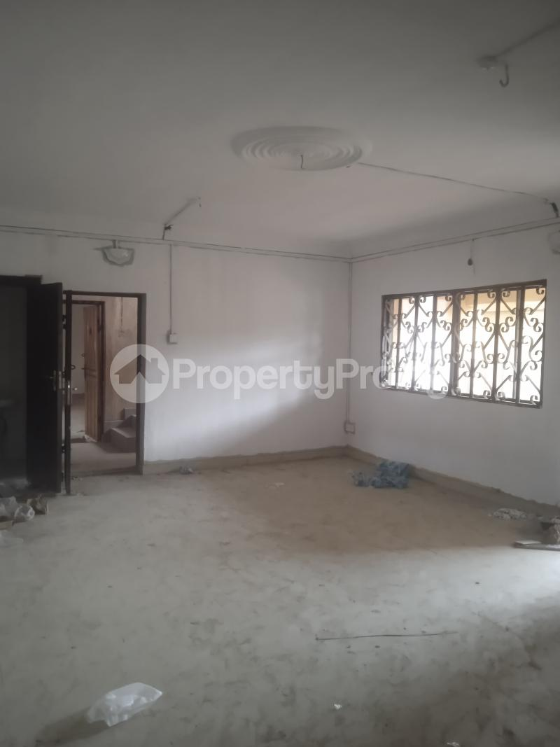 3 bedroom Flat / Apartment for rent Eloseh Kilo-Marsha Surulere Lagos - 0
