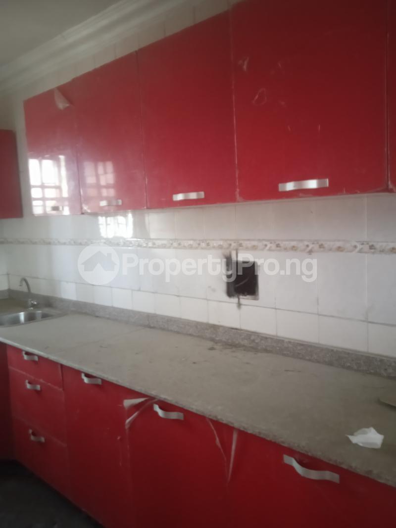 3 bedroom Flat / Apartment for rent Akinsemoyin Bode Thomas Surulere Lagos - 4