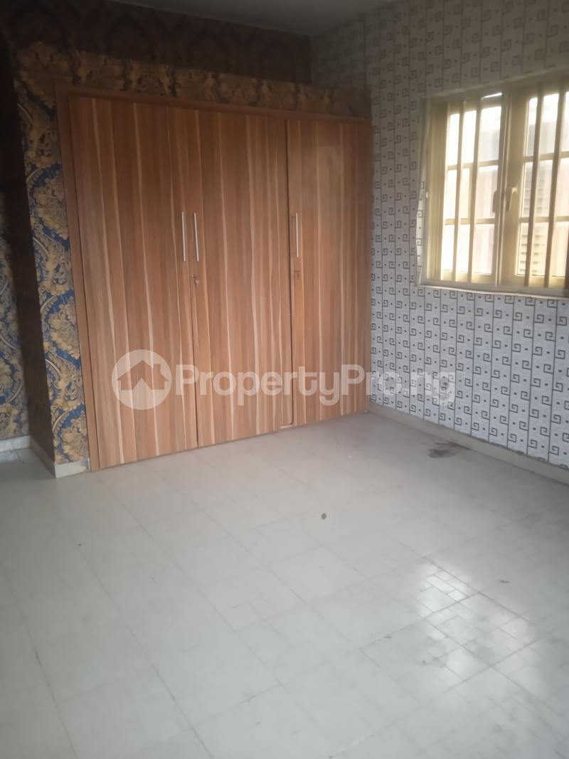 3 bedroom Flat / Apartment for rent Eloseh Kilo-Marsha Surulere Lagos - 2